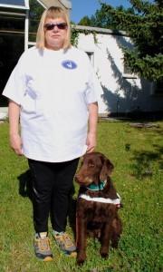 Gerda Mittag mit Blindenführhund Rocco