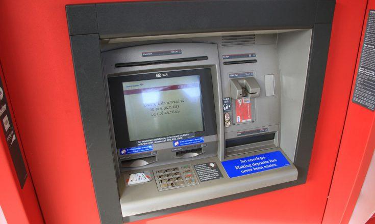 Jetzt auch gebühren für das Geld abheben am Schalter.